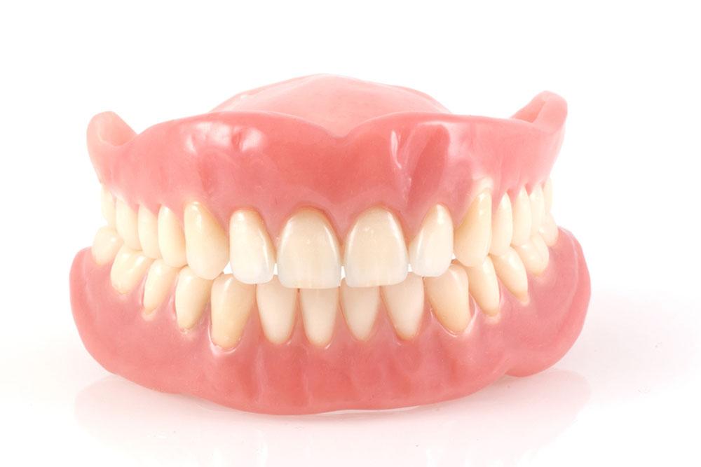 保険適用の総入れ歯